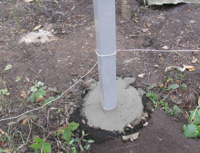 Как поставить заборные столбы идеально ровно